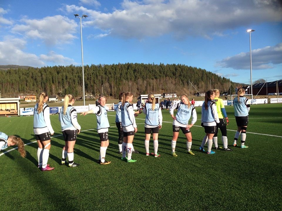 Modum FK - Hallingdal FK seriestart 16.04.15.jpg